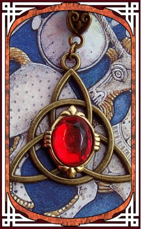 """Necklace """"Celtica"""" Ruby Red"""