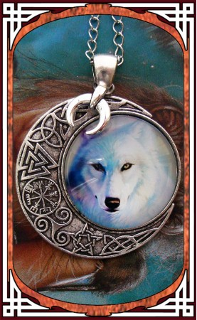 "Wolf Necklace ""Solstice"""