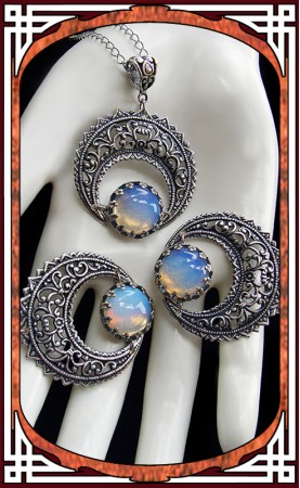 "Silver ""Hallows"" Necklace ~..."
