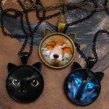 🐱🐯🐼 Animal necklaces are back !  You too, find your own spirit animal ... 🐼🐯🐱  ☆ ONLINE SHOP links in BIO ☆ 🐼🐯🐱 #CatNecklace #FoxNecklace #WolfNecklace #AnimalNecklace #SpiritAnimal #AnimalTotem