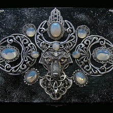"""🌒❄🌘 JEWELRY BOX """"LEGEND FROM THE NORTH"""" available on ETSY  🌒❄🌘 ♡ This is One-of-a-kind item ♡ ☆ ETSY Link in BIO ☆ 🌒❄🌘 #CelticWolf #JewelBox #Crescent #Viking #Pagan #Celtic #Wiccan #Moonstone #WhiteOpal #Opalite #Opalescent"""