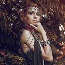 🍃 Regrann from fantastic @spectra_mystic  With awesome @laurent.cgartist 🍀 Marvelous cape @fairycave 🌲  Gorgeous Dress @mystic_ambrezia 🌳 Crown & Rings @amonseuldesir_boutique  🍃  #Elve #Elven #ElfBeauty #ElfGirl #ElfCosplay #ElfEars #Woodland #IntoTheWoods #ElfCostume