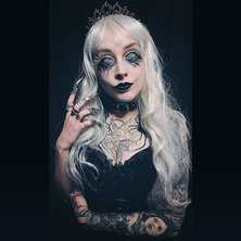 ♥💀♣ A huge THANK to magnificient @c.mfoster 💜 for sharing her picture with us !  Claw-Rings by @amonseuldesir_boutique  ♣💀♥ #GothicStyle #GothGirl #GothFashion #GothicBeauty #GothicModel #GothicAestheticy #Witchy #GothicWitch #GothicGirl #DarkBeauty #GothGoth #GothicJewelry