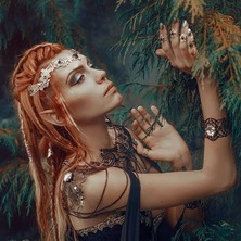 🍃 Regrann from talented @spectra_mystic 🍀 Photographer @laurent.cgartist 🌳 Cloak @fairycave 🌿 Crown & Rings @amonseuldesir_boutique  🍃 #Elve #Elven #ElfBeauty #ElfGirl #ElfCosplay #ElfMakeUp #ElfEars #Woodland #IntoTheWoods #Fantasy