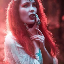 🍁 Regrann from @agacpicture  With @elisastrange_ and @dametenebra  Armor & Jewelry @amonseuldesir_boutique  🍁  #Fantasy #DarkFantasy #RedHead #GingerModel #RedHair #RedHeadSRock #RedHairDontCare #RedHairColor #RedLight #RedWitch #Witchy #Witch