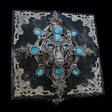 """❄ JEWELRY BOX """"ALASKIAN"""" available in my ETSY STORE ❄ ♡ This is One-of-a-kind item ♡ ☆ ETSY LINK in BIO ☆ ❄ #JewelBox #WolfJewelry #TurquoiseBlue #CelticWolf #VikingWolf #WolfHead #Pagan"""