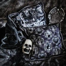 🎃👻 Halloween Cushion Cover available on ETSY 👻🎃 ☆ LINK for ETSY in BIO ☆ ♡ These are One-of-a-kind items ♡ 🎃👻